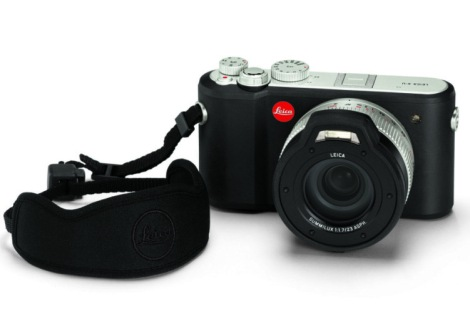 leica-x-u_floating-carrying-strap-1024x686