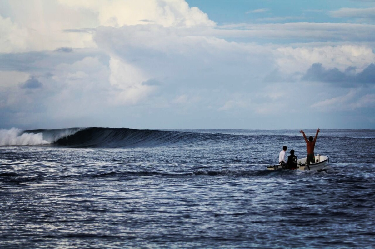 LIFE OF A SURF GUIDE IN THE MENTAWAIS