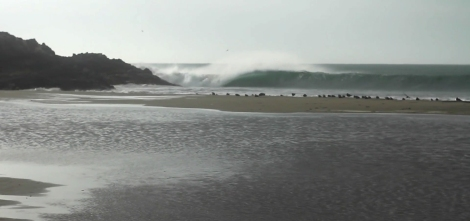 Searching for Waves in Peru thanks to El Niño Unleashed surfer